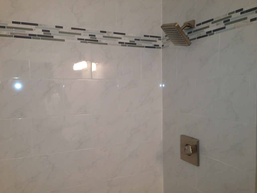 Carrara-look tile